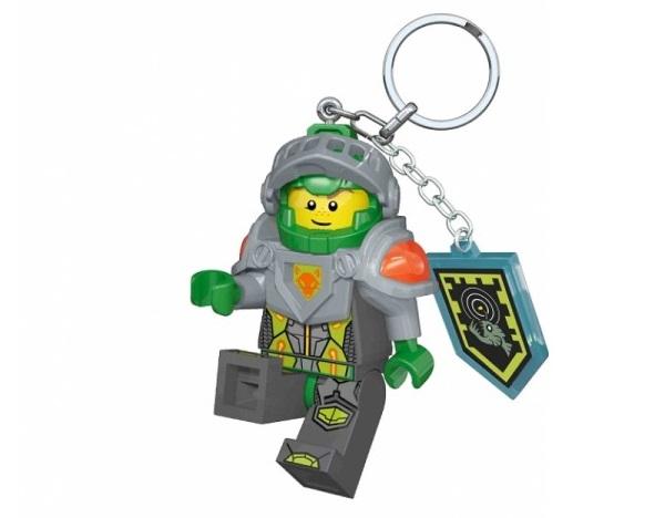 Vyberte si stylovou klíčenku s motivem jednoho z NEXO Knights super hrdinů a dopřejte si opravdu originální přívěšek na klíče s puncem kvality značky LEGO.