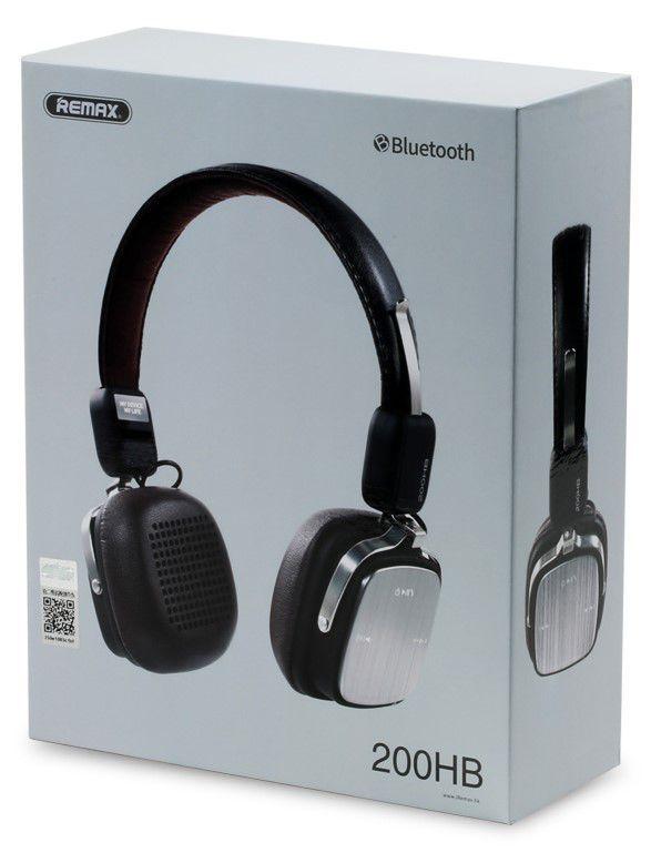 Jako správná bezdrátová sluchátka, také model od Remaxu přidává k pohodlnému poslechu možnost využití jako stereo headset ve spojení s telefonem. Využívá k tomu zabudovaný mikrofon a tlačítka, kterými je možné přijímat hovory, měnit přehrávanou skladbu nebo hlasitost.